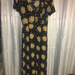 Forever 21 black and yellow flower  maxi dress